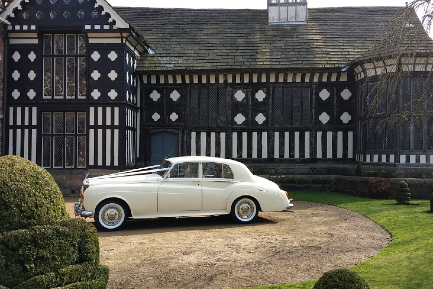 rufford-old-hall-large